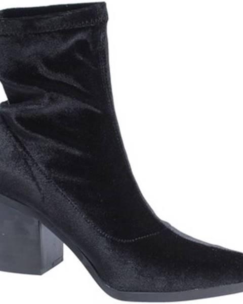 Čierne topánky Fornarina
