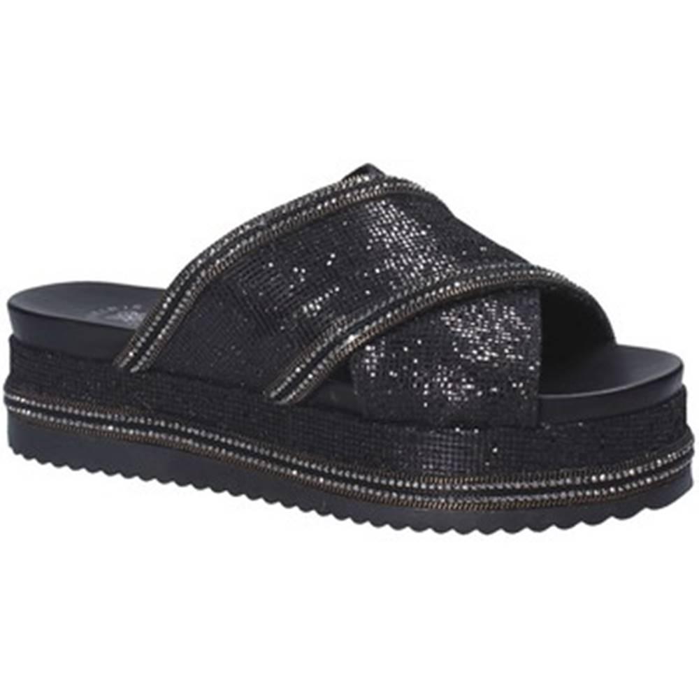 Exé Shoes Šľapky  G41006097884