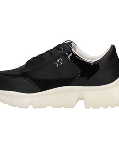 Čierne tenisky Y Not?