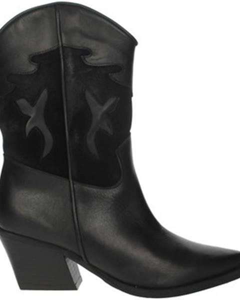 Čierne čižmy Marlena