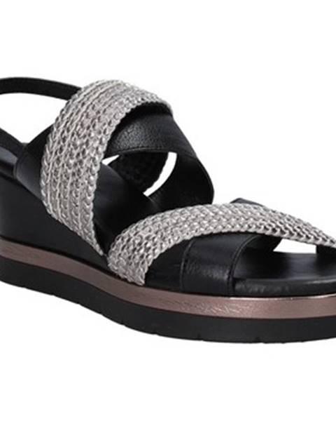 Čierne sandále Inuovo
