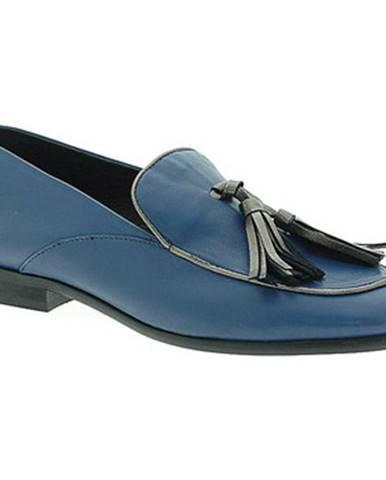 Modré mokasíny Mally