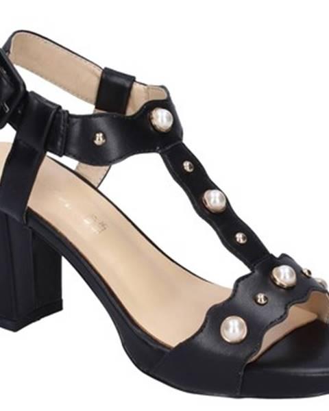 Čierne sandále Brigitte