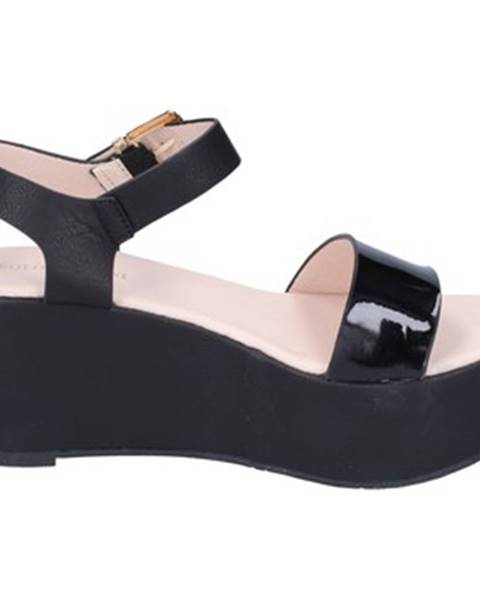 Čierne sandále Solo Soprani