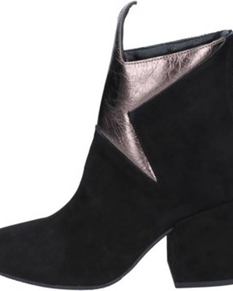 Čierne topánky Marc Ellis