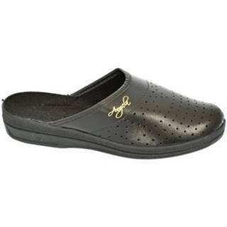 Nazuvky John-C  Dámske čierne papuče ANGELA