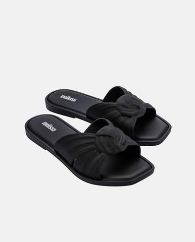 Čierne papuče Melissa