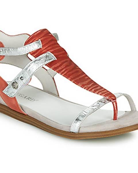 Červené sandále Regard