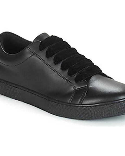 Čierne tenisky André