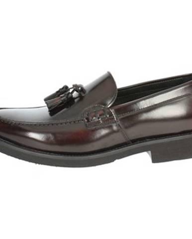 Červené topánky Veni