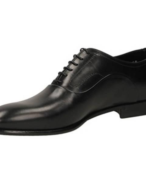 Čierne topánky Fabi