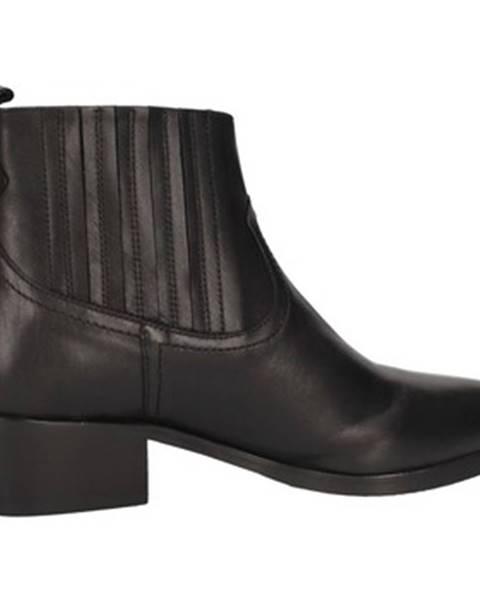 Čierne čižmy Albano